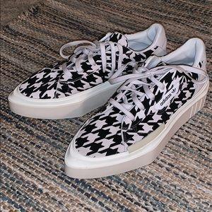 Adidas Women's HyperSleek Shoes